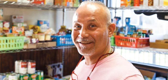 Restaurant owner starts food pantry for those in need